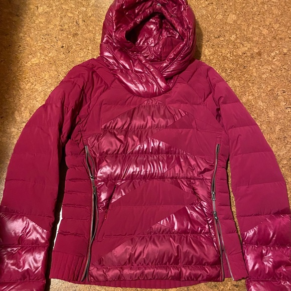 Lululemon What the fluff jacket size 8